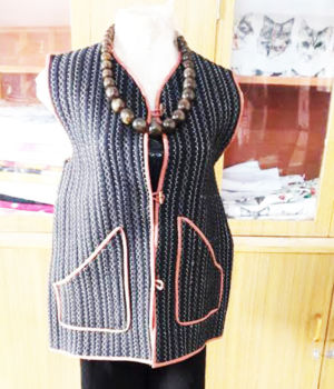 Quilted jacket with pocket : Rs 500/-